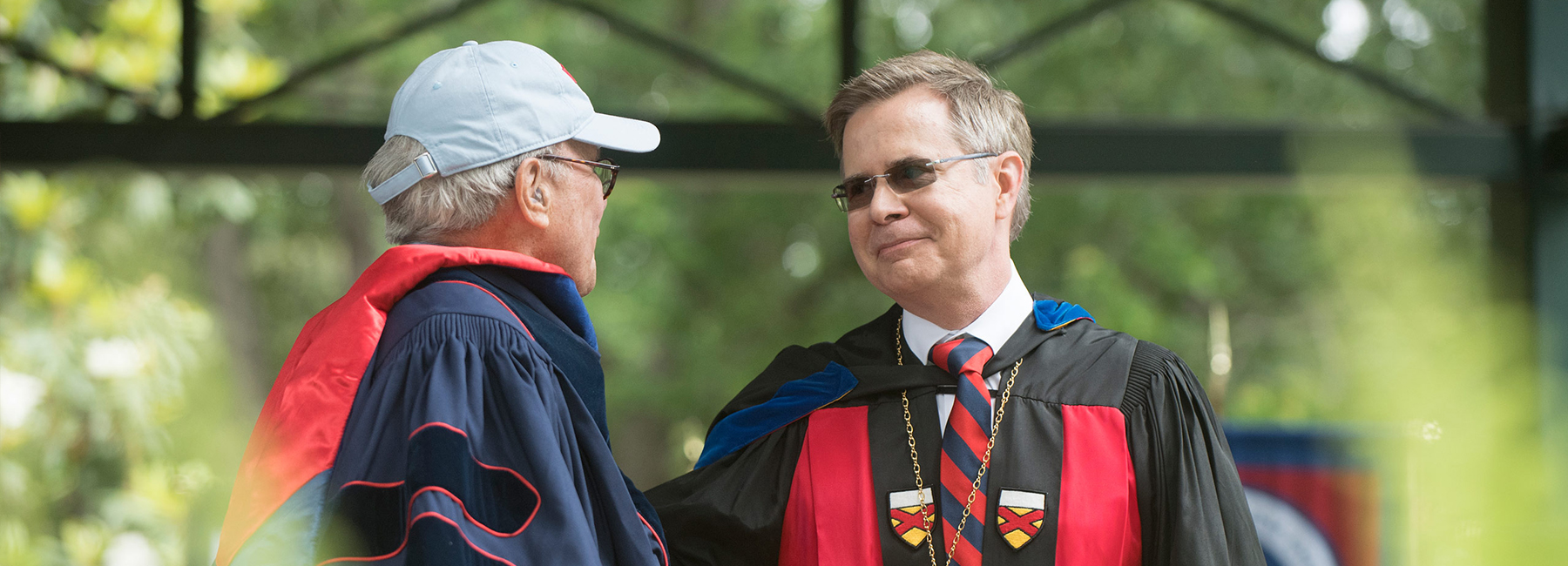 This is a photo of Chancellor Vitter shaking hands with Tom Brokaw at the May 2016 commencement.